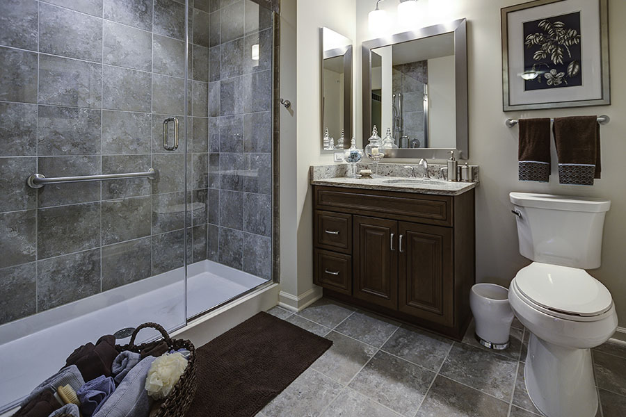 Laurelwood master bathroom