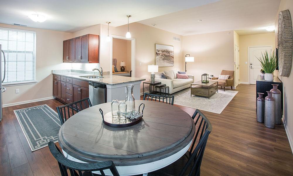 Kentshire Apartment (dining room)